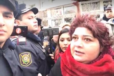 Baklda feministlər aksiya keçirməyə cəhd edib - polis aksiyanın qarşısını a ...