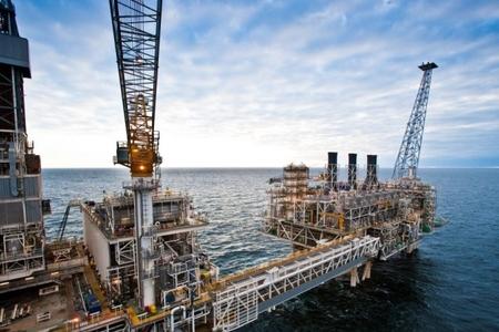 Noyabrda Azərbaycan nefti 15 dollara yaxın ucuzlaşıb