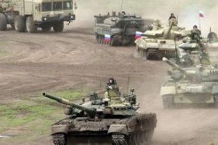 Rusiya sərhədə tankları yeridir, Putin telefon zənginə cavab vermir...