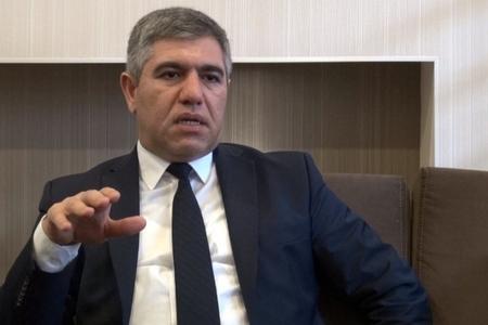 """Vüqar Bayramov: """"Banklar bir vətəndaşdan aldıqları pulu, digər vətəndaşa 7 dəfə baha satırlar"""""""