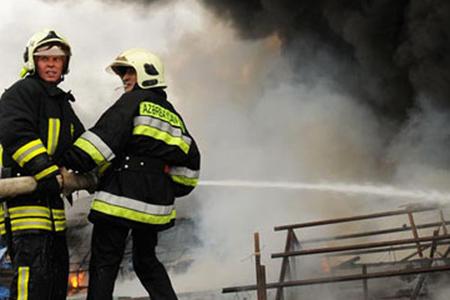 Sumqayıtda yaşayış binasında yanğın olub, 10 nəfər təxliyə olunub