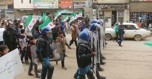 Suriyada əhali PKK-ya qarşı ayağa qalxdı
