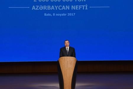 Azərbaycan prezidenti təntənəli mərasimdə -FOTO