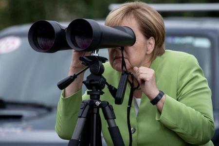 Angela Merkel Gürcüstana səfəri zamanı təmas xəttindəki vəziyyətlə tanış olub