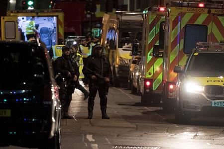 Londonda terror aktları ilə bağlı 12 nəfər saxlanılıb - YENİLƏNİB
