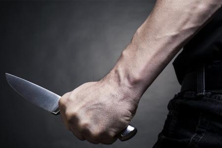 Göygöldə 22 yaşlı oğlan bıçaqlanıb