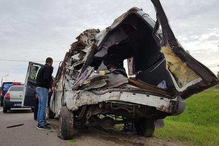 Rusiyada avtobusla taksi toqquşub, 11 nəfər ölüb