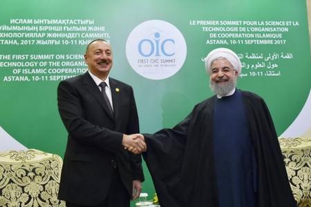 Prezident İlham Əliyev Astanada İran Prezidenti Həsən Ruhani ilə görüşüb