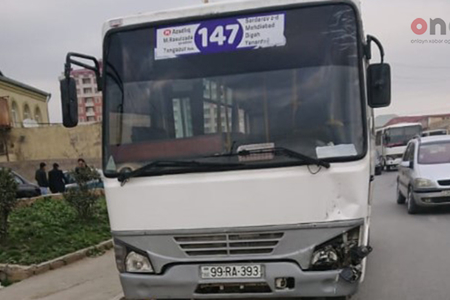 Abşeronda marşrut avtobusu qəza törədib