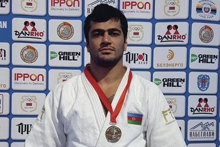 Elmar Qasımov bürünc medal qazandı