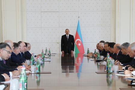 Prezidentn İlham Əliyev nazirləri topladı