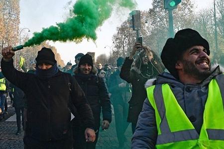 Fransada aksiyalar ictimai nəqliyyatın işində problemlər yaradıb