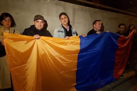 Ermənistanın Tiflisdəki səfirliyinin qarşısında aksiya keçirilib