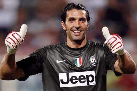 Canluici Buffon karyerasını PSJ klubunda davam etdirəcək