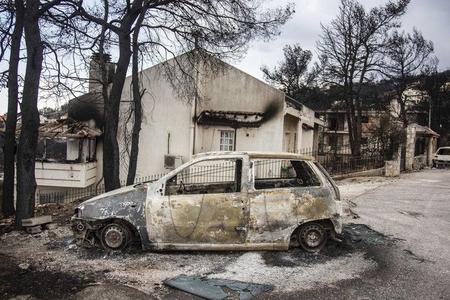 Yunanıstanda meşə yanğınları nəticəsində 91 nəfər ölüb, 25 nəfər itkin düşüb