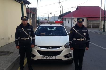 Polislər qadının itirdiyi pulqabını tapıb qaytardılar