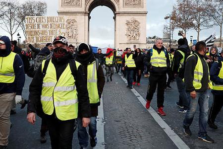 """""""Sarı jiletlilər"""" Macarıstana gəlir-bu ölkədəki diaspor sədrimiz danışır"""