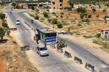 Suriyanın İdlib şəhərində avtomobil partladılıb