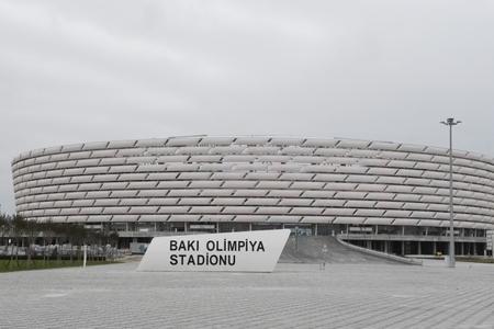 Azarkeşlərə Bakı Olimpiya Stadionuna avtomobillə gəlməyə icazə verildi