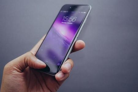 """Enerji yığan zaman """"iPhone X"""" partladı"""