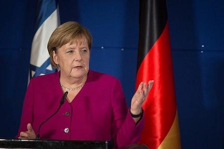 Angela Merkel Avropa Birliyi ölkələrindən səfirlikləri Qüdsə köçürməməyi xahiş edib