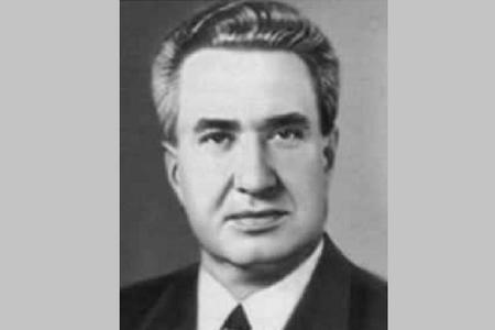 """Brejnevin kadrı, Qorbaçovun """"dayısı"""", bağ evində ölüm"""