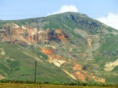 Ermənistanda qızıl mədəninin bağlanması tələb olunur