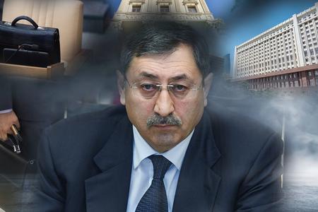 """Xələf Xələfov """"diplomat""""ını niyə məmur """"çanta""""sına dəyişdi -"""