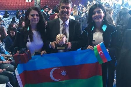 Azərbaycanlı siyasətçinin qız övladlarından ikiqat uğur - Musayeva bacıları tarix yazdılar - FOTOLAR