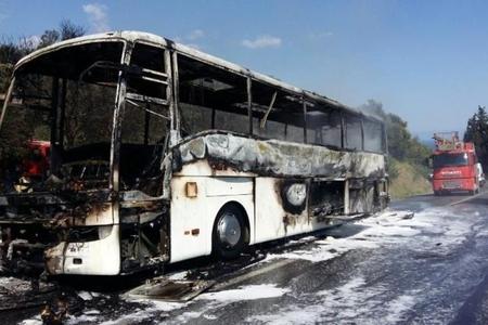 Türkiyədə sərnişin avtobusu yanıb