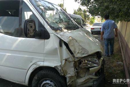 Şirvanda mikroavtobus qəzaya düşüb, 6 nəfər xəsarət alıb