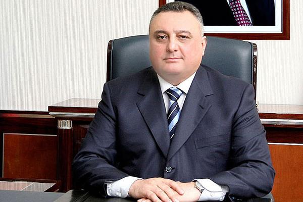 Eldar Mahmudova biət etmiş məmurlar