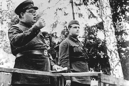 Mikoyanı, Malenkovu və Beriyanı Stalinə aşkarda satan Şerbakov–