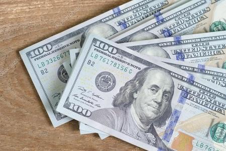 Gürcüstanda dollar bahalaşmaqda davam edir