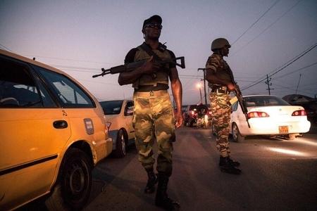 Kamerunda silahlılar 30 dinc sakini girov götürüb