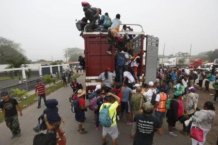 Yüzlərlə qanunsuz miqrant Qvatemaladan Meksikaya gəlib