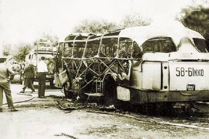 kak-v-sssr-vzryvali-avtobusy-rasstrelivali-proxozhix-i-taranili-samolyotami-doma-1-1.jpg (109 KB)