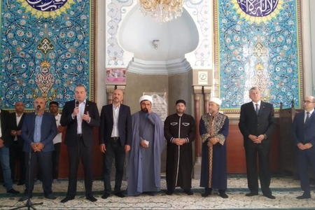 Gürcüstanın baş naziri Tbilisi Cümə məscidini ziyarət edib