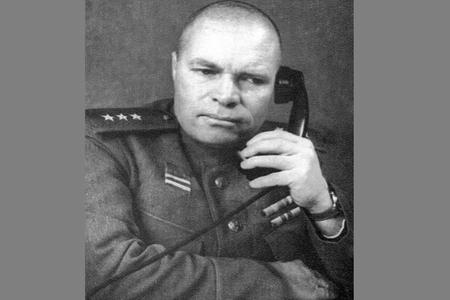 Stalinin etimad göstərdiyi ordu generalı–