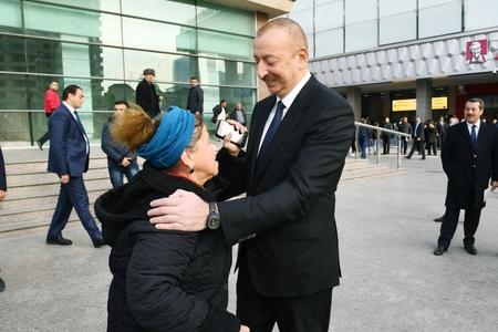 Prezident İlham Əliyev yaşlı qadının kredit borcu ilə bağlı tapşırıq verdi