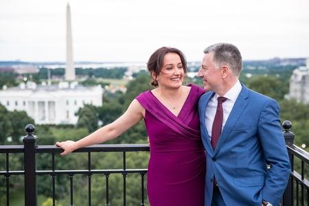 ABŞ-ın tanınmış diplomatı gürcü jurnalistlə evlənib