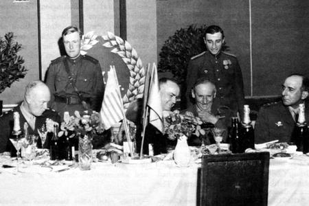İki ABŞ prezidentinin Jukova iltifatı–