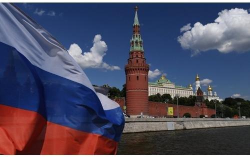 rusiya-moskva-kreml-putin-medvedev.jpg (22 KB)