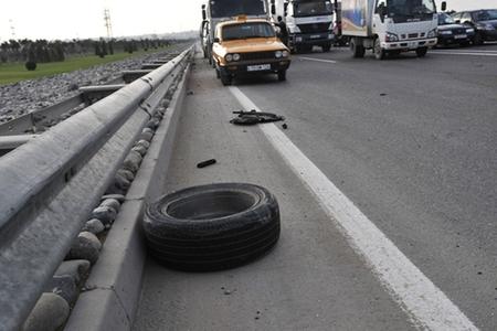 Masallıda yük maşını ilə mikroavtobus toqquşub: 8 nəfər ölüb