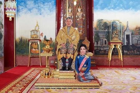 Kralın sevgilisinin şəklini paylaşdılar, sayt çökdü – Fotolar