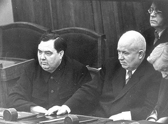 malenkov_khruschev_1954_857x0_49c.jpg (79 KB)