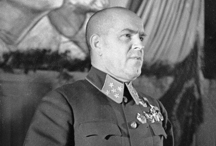 RIAN_archive_2410_Marshal_Zhukov_speaking.jpg (152 KB)