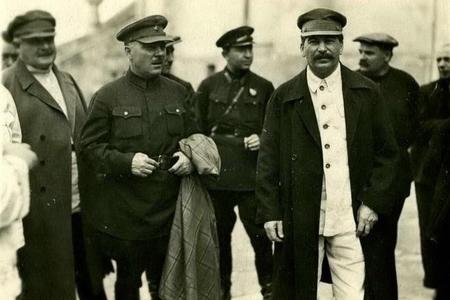 Stalinə atəş açmağa hazırlaşan talesiz leytenant–