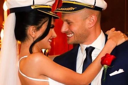 Azərbaycanlı model amerikalı pilotla evləndi - FOTO