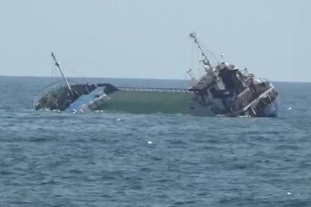 İran gəmisinin Xəzər dənizində batma anı - VİDEO
